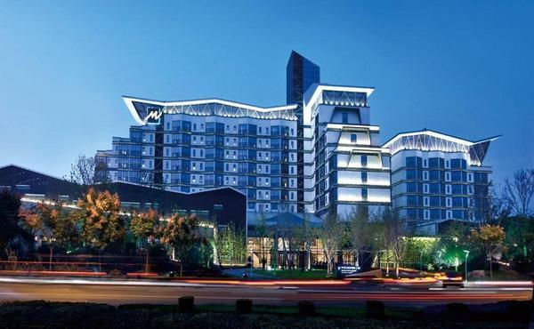 常州环球恐龙城维景国际大酒店1晚+中华恐龙园门票2张